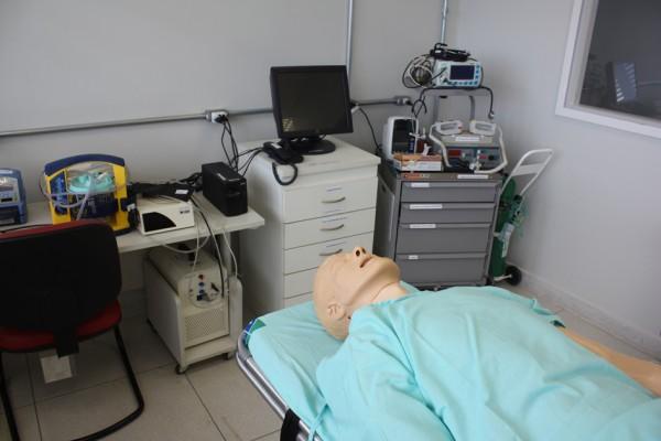 laboratorio-de-habilidades-e-simulacao-do-cuidado-3D42601CA-F46F-4F97-945D-2100CD3A7ACF.jpg