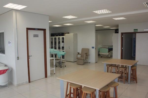 laboratorio-de-habilidades-e-simulacao-do-cuidado-4A1B500B7-B3B7-4009-9D59-A9EAA2809F5E.jpg